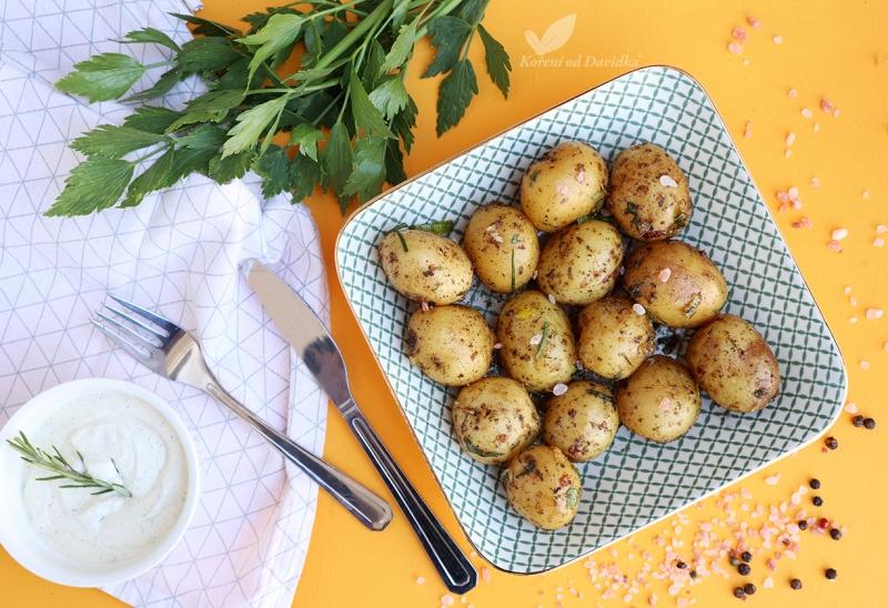 Česnekovo-parmezánové brambory