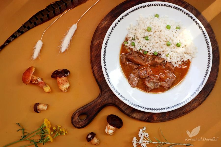 Srnčí na houbách s rýží
